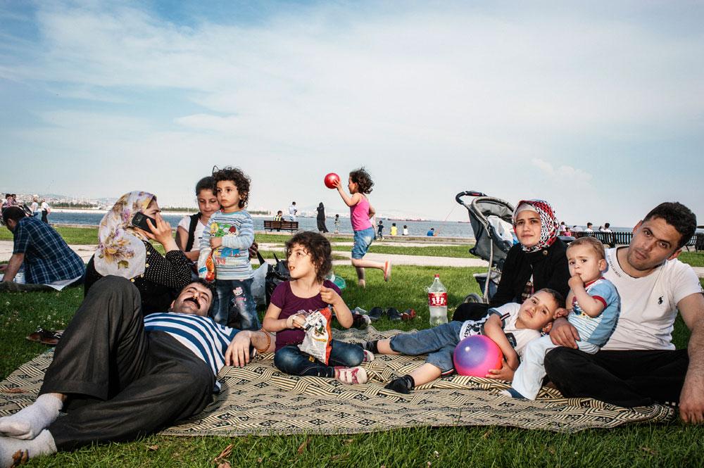 Repos du week-end, sur les bords du Bosphore, pour les classes populaires
